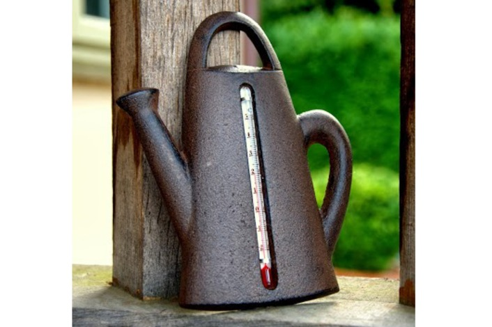 Cast Iron Garden Watering Can Thermometer